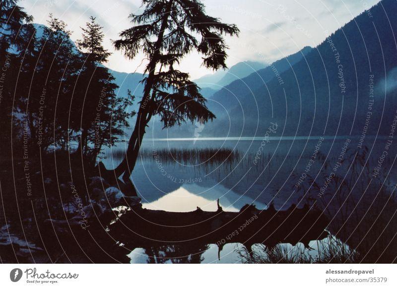 Morgens am See Antholzer See Italien Stativ Morgens 5.oo Uhr Blende 28 Zeit 20s
