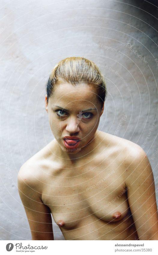 Gier Akt Frau schön Erotik nackt Frauenbrust 18-30 Jahre dünn direkt frech Junge Frau Zunge Brustwarze Frauengesicht provokant