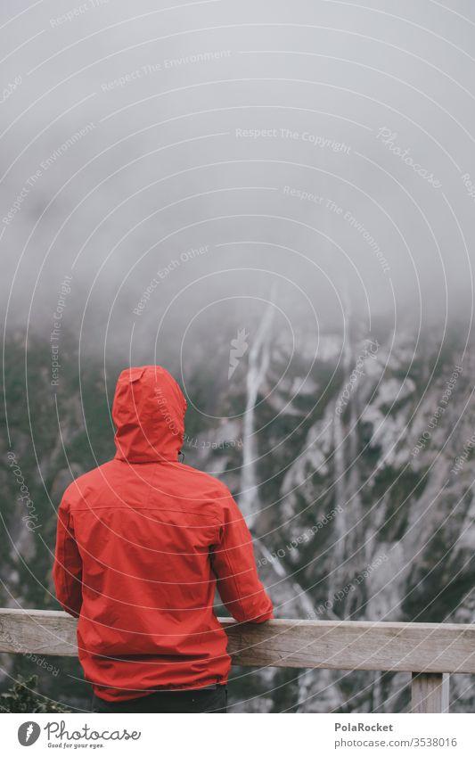 #As# Trüber Ausblick Nebel Wolken schlechtes Wetter wandern Wanderung Wolkendecke wolkenverhangen Wasserfall Neuseeland Neuseeland Landschaft rot rote jacke
