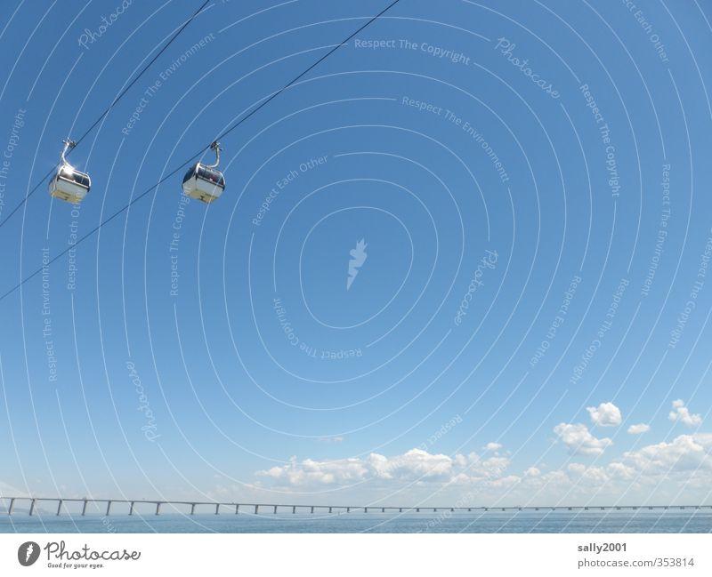 überm Tejo... Himmel blau Wasser Sommer Wolken Ferne Freiheit Küste Horizont Tourismus Schönes Wetter Ausflug Brücke Fluss Güterverkehr & Logistik Mobilität