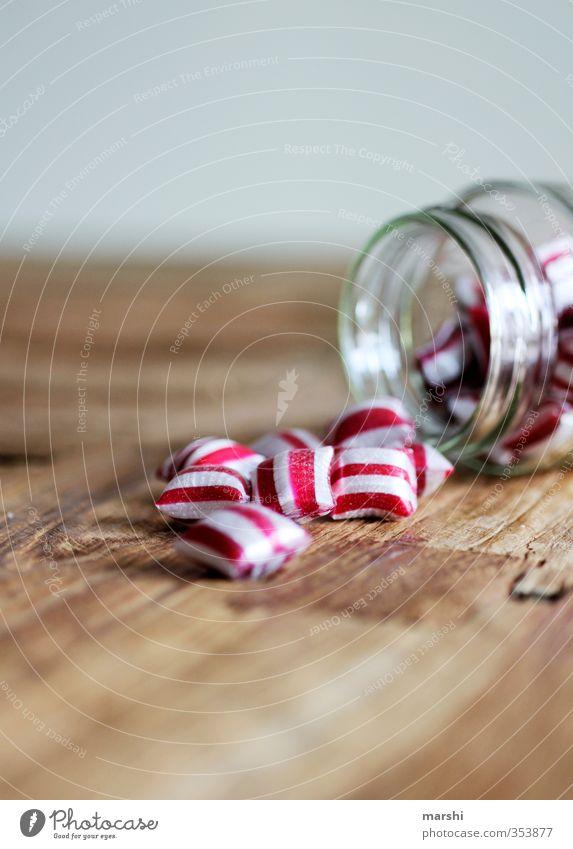 peppermint weiß rot Essen Lebensmittel Glas Ernährung süß Süßwaren lecker Bonbon gestreift Holztisch Kalorie geschmackvoll