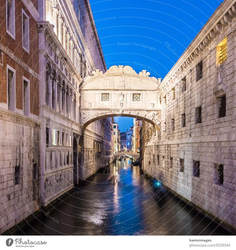 Seufzerbrücke, Venedig, Italien. Kanal Tourismus Brücke venezia Wasser Italienisch Europäer Palast Anziehungskraft berühmt reisen Europa Architektur seufzt Boot