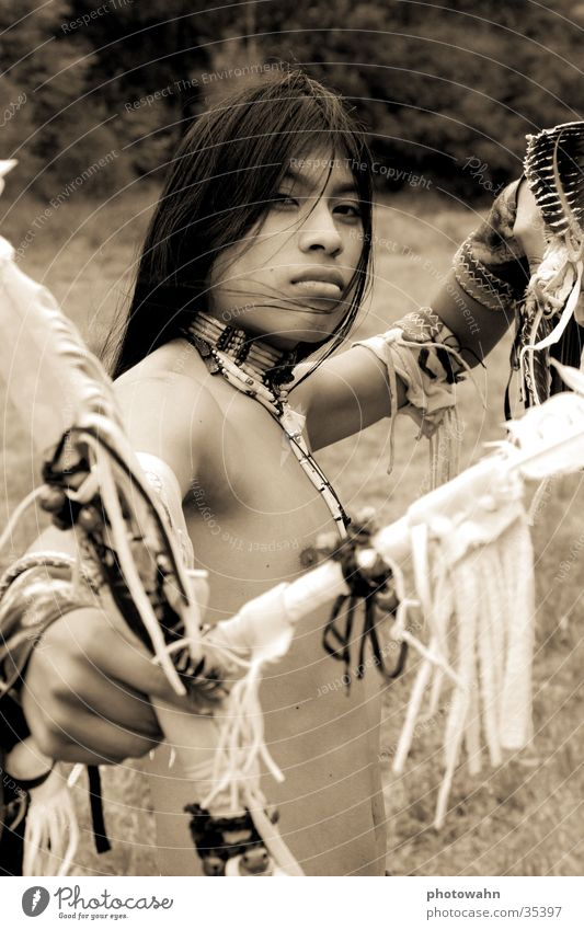 Indian Spirit Mann Natur Musik langhaarig Indianer