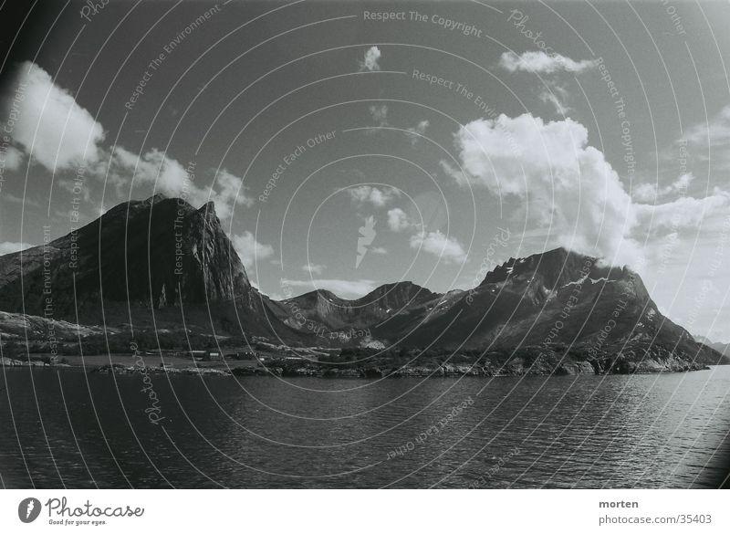 Fiord 2 Wasser Himmel Wolken Berge u. Gebirge Norwegen Fjord