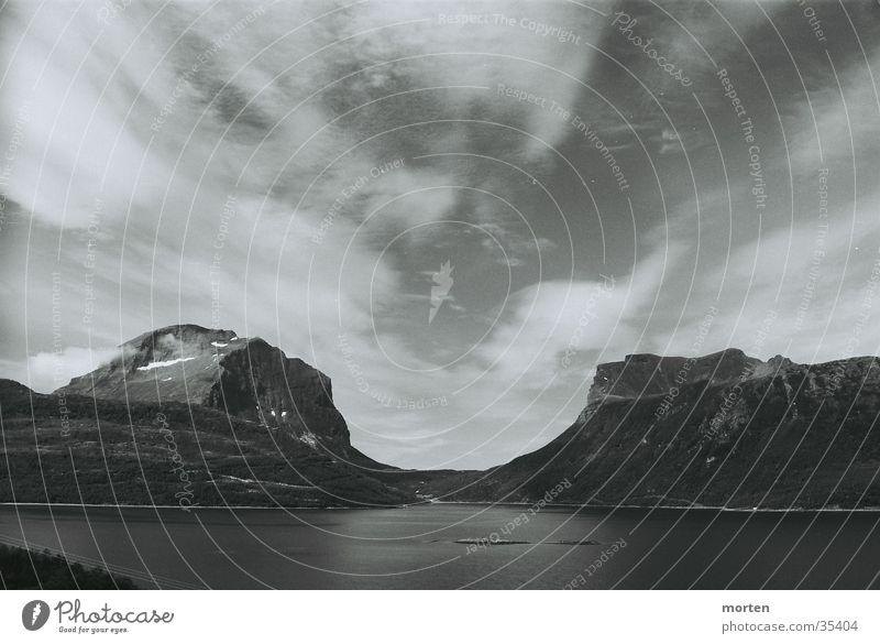 Fiord 1 Wasser Himmel Meer Wolken Berge u. Gebirge Norwegen Fjord