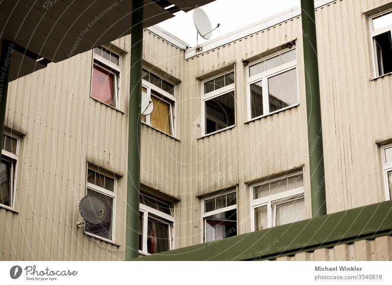 Verfallende Hauswand, Graz, Österreich wohnungen Appartement Wohnkomplex Architektur architektionisch Arme außenaufnahme von gebäuden bauwerke behausung