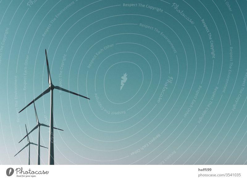 drei Windräder - Windenergie umsonst und draußen Windkraftanlage nachhaltig regenerative energie REGENERATIVE ROHSTOFFE Energie Energiewirtschaft