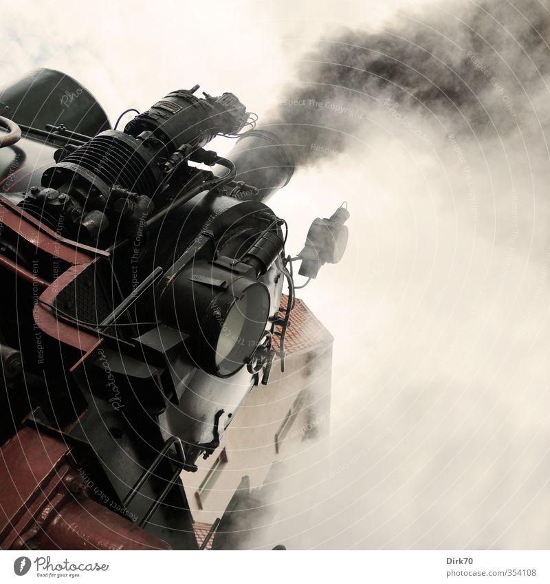 Steam Power Fahrzeug Schienenverkehr Bahnfahren Eisenbahn Lokomotive Dampflokomotive Personenzug Metall Rauchen authentisch bedrohlich dunkel historisch stark