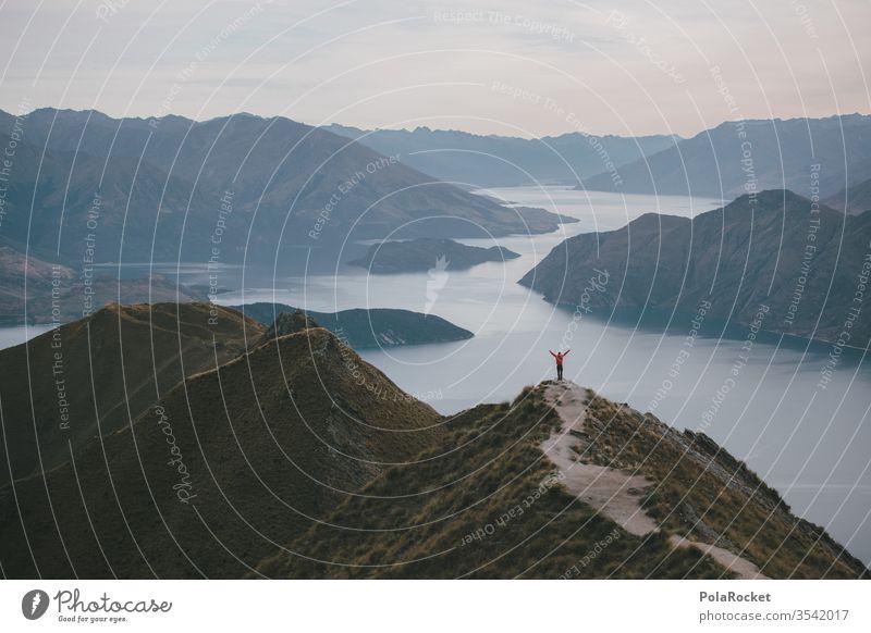 #As# Rd Roys Peak Neuseeland Neuseeland Landschaft Wanderung wandern explore Explorer See Seeufer Berge u. Gebirge Bergkette Bergsee rot Freiheit weite Natur