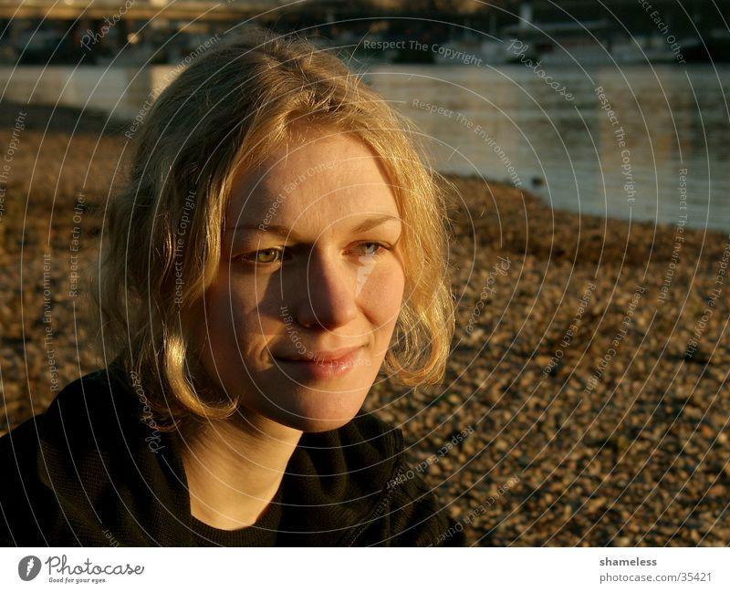 Evening sun Frau schön Sonne ruhig Wärme blond Elbe