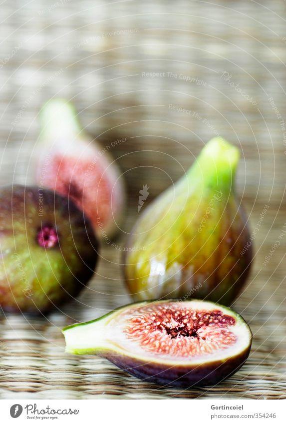 Figues Lebensmittel Frucht Ernährung Bioprodukte Vegetarische Ernährung frisch lecker süß Feige Farbfoto Innenaufnahme Textfreiraum oben Schwache Tiefenschärfe