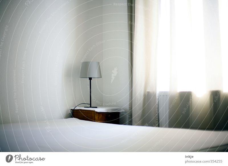 Enjoy the silence Lifestyle Stil Häusliches Leben Wohnung Innenarchitektur Lampe Bett Raum Schlafzimmer Menschenleer Fenster Gardine Nachttisch hell Morgen