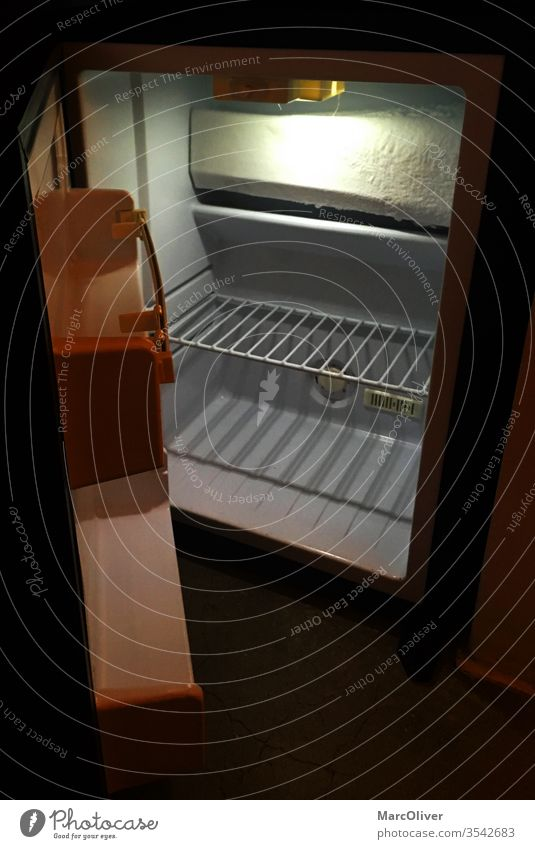 Leerer Kühlschrank leerer Kühlschrank kühlschrank offener kühlschrank Eisschrank Kühltruhe Frigidär minibar mini kühlschrank offener leerer kühlschrank