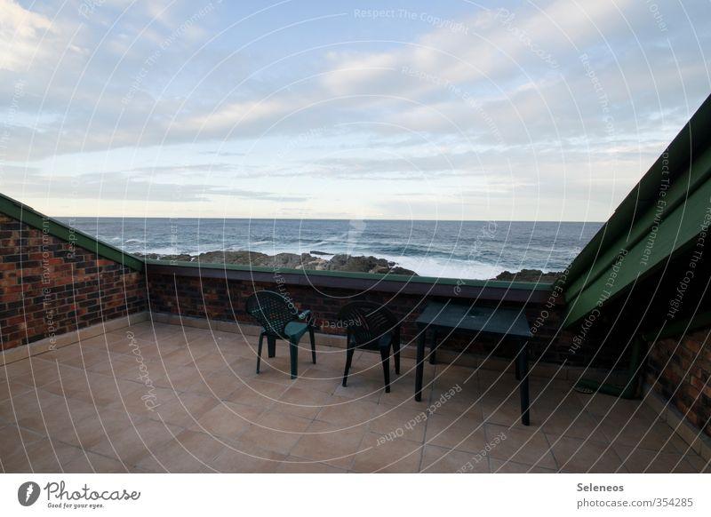 Wochenende am Meer Ferien & Urlaub & Reisen Tourismus Häusliches Leben Wohnung Stuhl Tisch Balkon Umwelt Natur Landschaft Himmel Wolken Horizont Wellen Küste