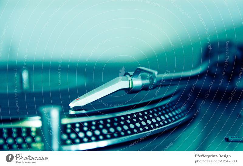 Schallplattenspieler Discolaufwerk Detail Vinyl vinyl auflegen LP Innenaufnahme