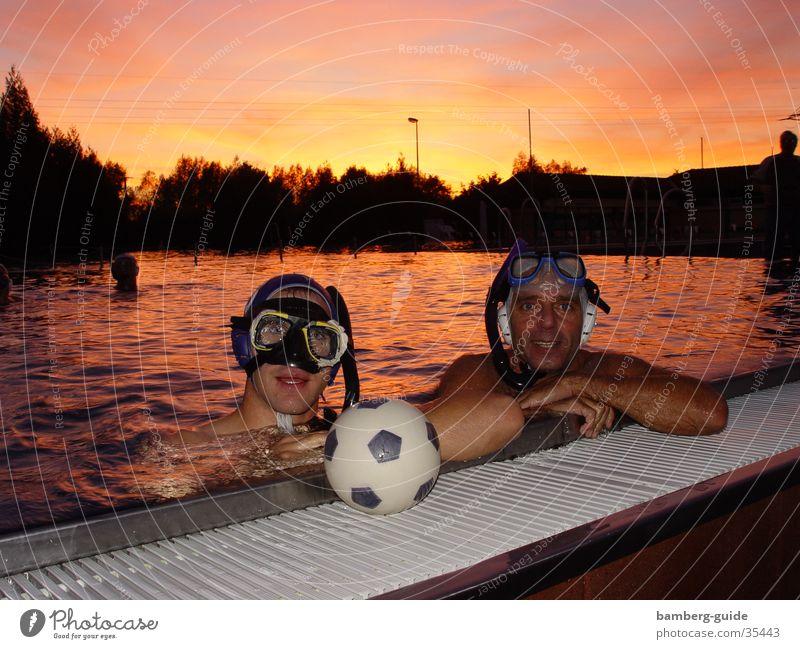Unterwasserrugby Rugby Bamberg Schwimmbad Sonnenuntergang Sport Wasser Unterwasseraufnahme