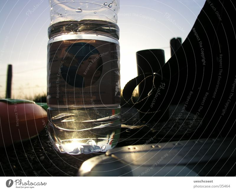 Aqua Wasser Sommer glänzend Alkohol Kies Rucksack CD Player