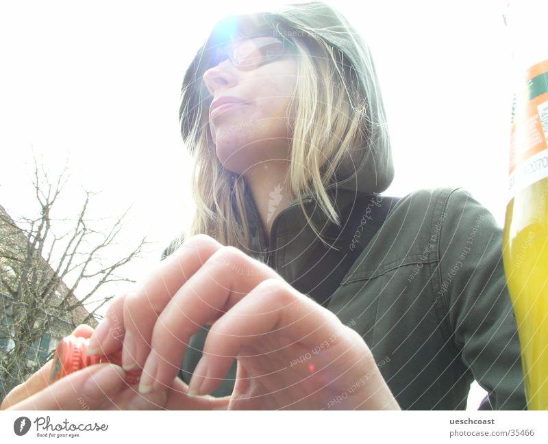 ...me miri Frau Hand grün weiß blond Sonnenbrille verträumt Kapuze Prima Überbelichtung Brille