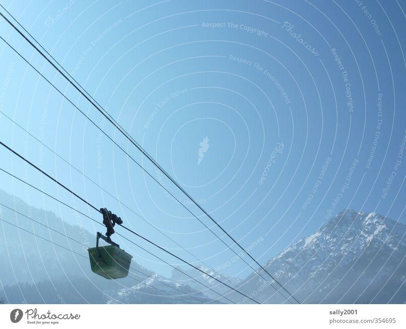 total blau | Alpentransport... Himmel Natur Landschaft Winter Berge u. Gebirge Bewegung Freiheit oben Verkehr wandern Schönes Wetter Ausflug Seil Baustelle
