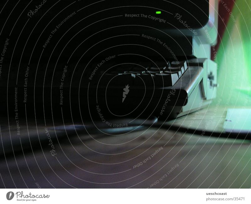 atari Bildschirm Unschärfe dunkel old-school Elektrisches Gerät Technik & Technologie commodore Kabel blau Tastatur