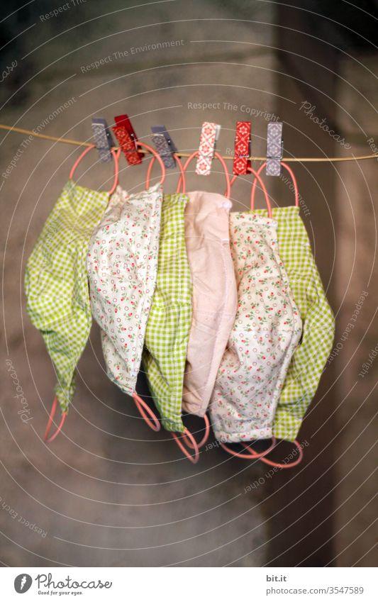 Masken Wäsche Wäscheleine Wäsche waschen trocknen hängen Wäscheklammern aufhängen Sauberkeit Corona Schutz Schutzmaske Mundschutz Virus coronavirus Corona-Virus