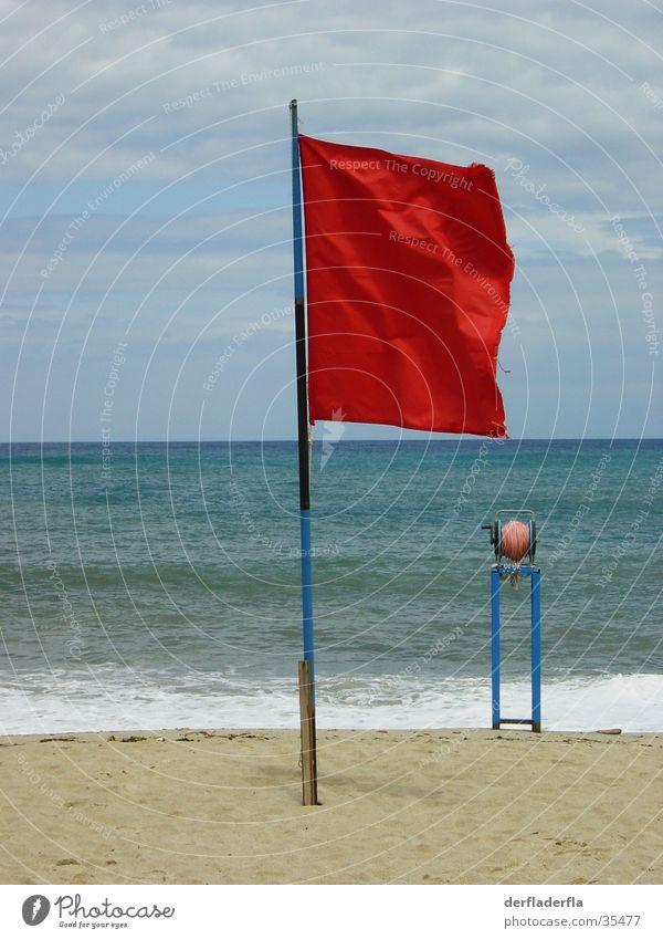 schwimmen verboten Fahne Strand Meer rot Wellen Flagge