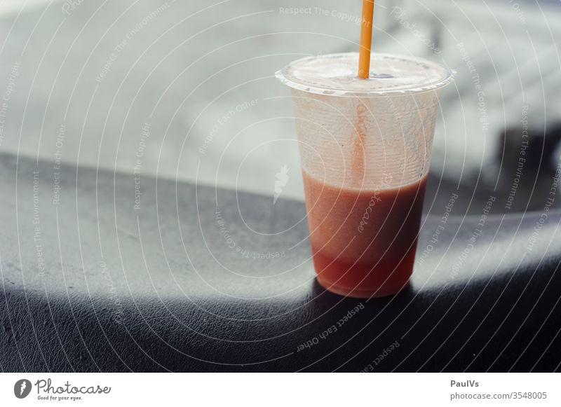 shake / smoothie to go saft mix becher getränk gesund vitamine mixer säfte juicy Getränk Gesundheit Lebensmittel trinken Glas Erfrischung Ernährung saftig