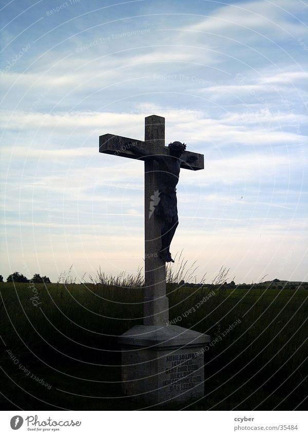 Kreuz in der Dämmerung Jesus Christus Religion & Glaube Gotteshäuser Rücken Lichtunterschiede