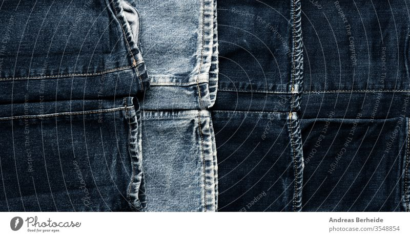 Textur von alten gebrauchten Jeans als Kopfteil blau Jeanshose Baumwolle abgenutzt Western Tapete schäbig Hose Bekleidung Fuge Nähen Makro lässig anhaben Tasche