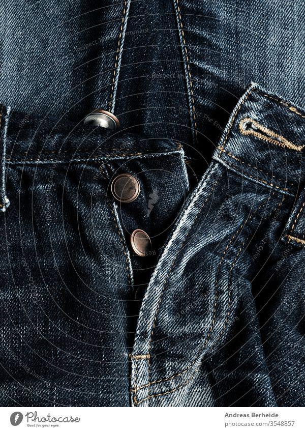 Textur von alten gebrauchten Jeans als Hintergrund blau Jeanshose Baumwolle abgenutzt Western Tapete schäbig Hose Bekleidung Fuge Nähen Makro lässig anhaben