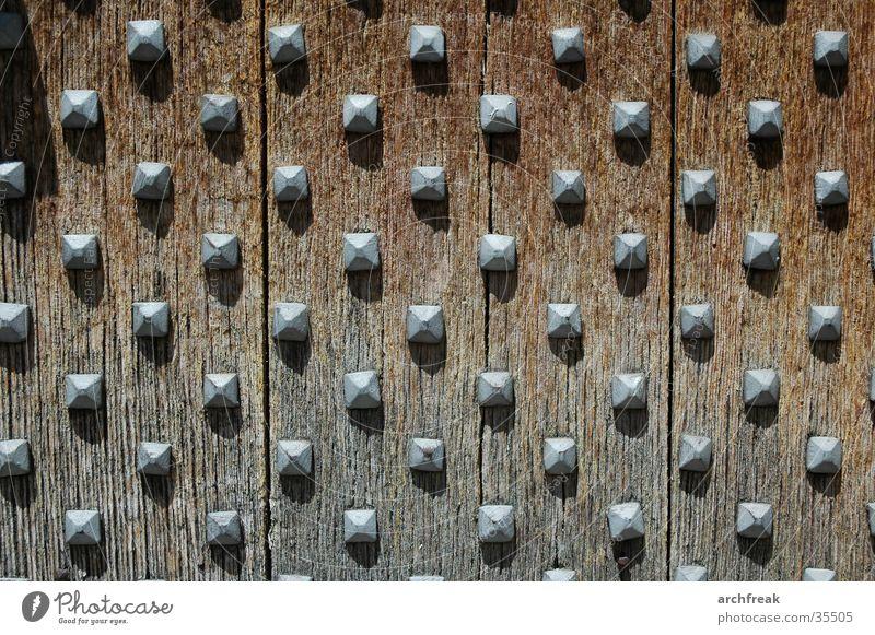 Mittelalterliche Gefühlsnoppen... Sonne Holz Architektur Burg oder Schloss Spanien Eisen Nagel Eiche Gotteshäuser Katalonien Romanik Kirchentür