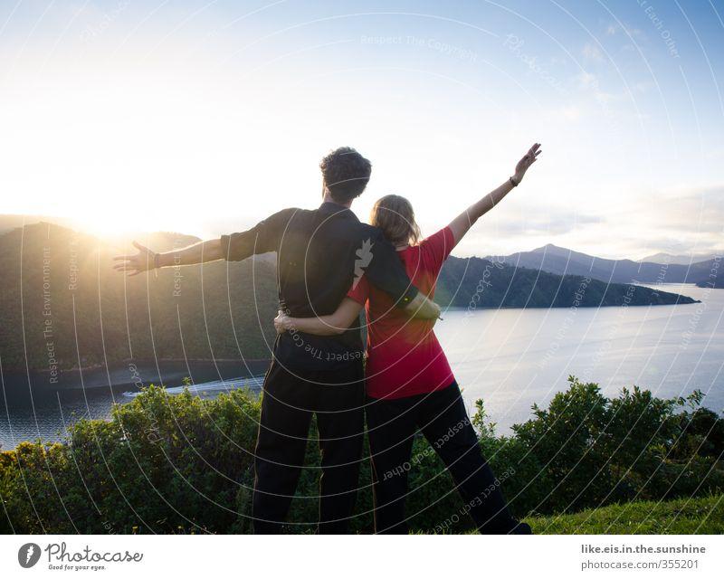 wanderlust I Mensch Natur Jugendliche Ferien & Urlaub & Reisen Sommer Meer Landschaft Junge Frau Ferne Umwelt Junger Mann Berge u. Gebirge Freiheit Glück Paar