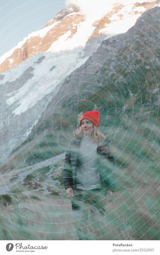 #As# Grasland Ausflug Bergkette Abenteuer Umwelt Farbfoto mützenmädchen Mütze roadtrip Reisefotografie reisen Reisender Reiseroute reiseziel reisend Wanderer
