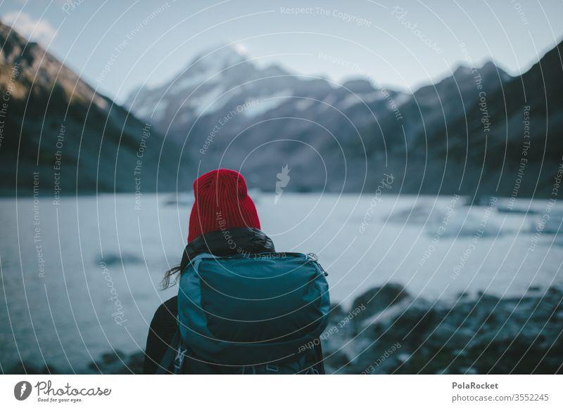#As# outdoor wandern Wanderer Wandertag Wanderausflug wanderlust Wanderung wanderweg Outdoor rot Mütze Farbfoto Natur Berge u. Gebirge Landschaft Außenaufnahme