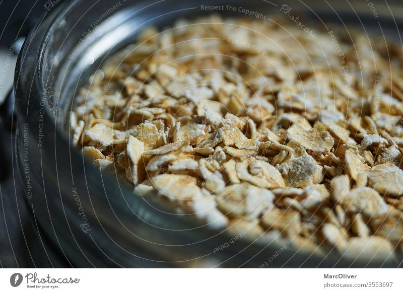 Haferflocken im Glas Hafer-Verbraucher Lebensmittel Frühstück Snack Müsli Gesundheit Mahlzeit Ernährung Diät ausflocken natürlich Schalen & Schüsseln Haferbrei