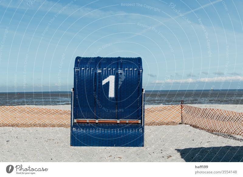Strandkorb Nummer eins Strandkorbvermietung Meer Lockdown leerstehend Leerstand Sommer Sommerurlaub Tourismus Nordsee Ostsee Küste Schönes Wetter Insel Sonne