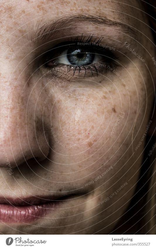 Deep Blue Mensch feminin Junge Frau Jugendliche Erwachsene Auge Nase Mund 1 18-30 Jahre blond rothaarig langhaarig Gefühle Zufriedenheit Optimismus Mut