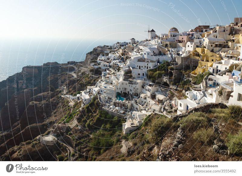 Blick auf griechisches Dorf mit Windmühle, Oia, Santorini, Griechenland Mühle reisen Sonnenuntergang Meer Europa blau Architektur Tourismus Himmel Farbe Caldera