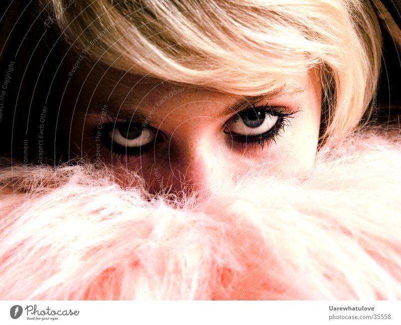 True Romance Frau Auge blond rosa Kissen