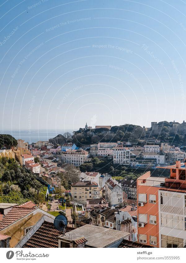 Ausblick auf die Altstadt von Lissabon bei schönem Wetter Portugal lisboa ausblick Panorama (Aussicht) Aussichtspunkt Tourismus Stadt Ferien & Urlaub & Reisen