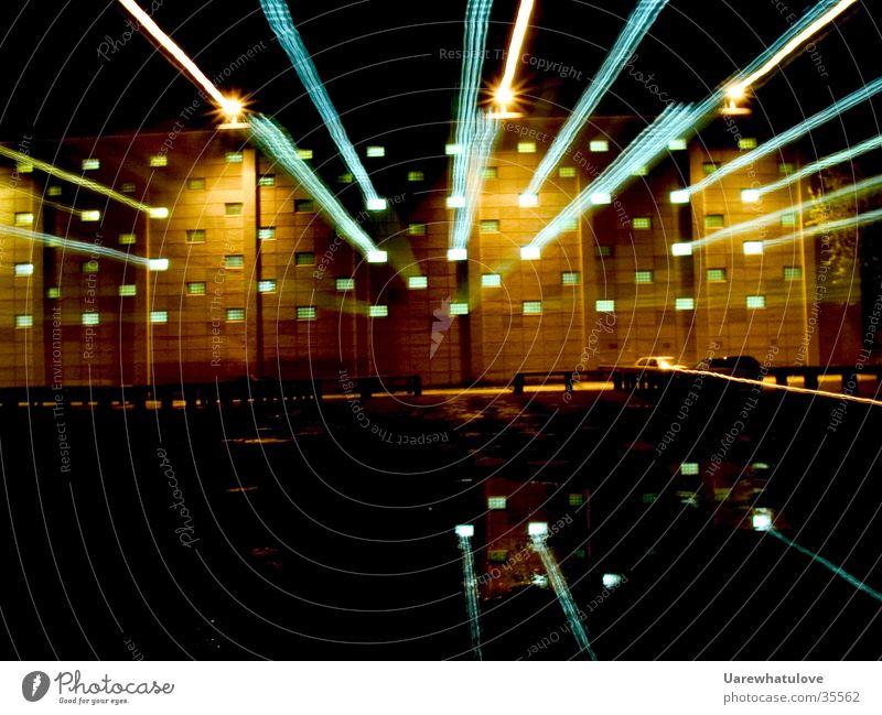Explosionen geheimer Experimente Wasser Fenster Gebäude Wissenschaften geheimnisvoll Strahlung Geländer Parkplatz Labor