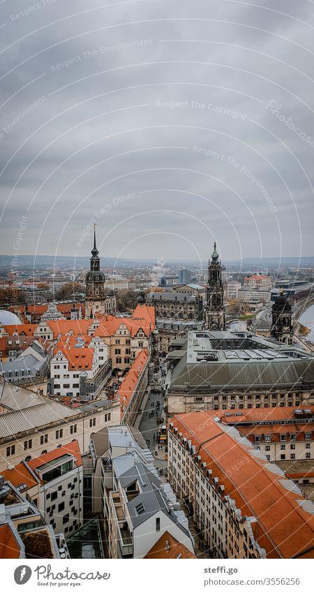 Aussicht auf Dresden von der Dresdner Frauenkirche auf die Altstadt von Dresden, Fürstenzug, Kreuzkirche Elbflorenz Deutschland Ostdeutschland