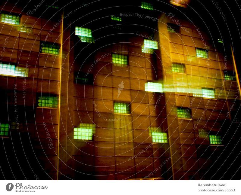 Geheime Experimente 2 Fenster Mauer Gebäude Energiewirtschaft Wissenschaften geheimnisvoll Explosion