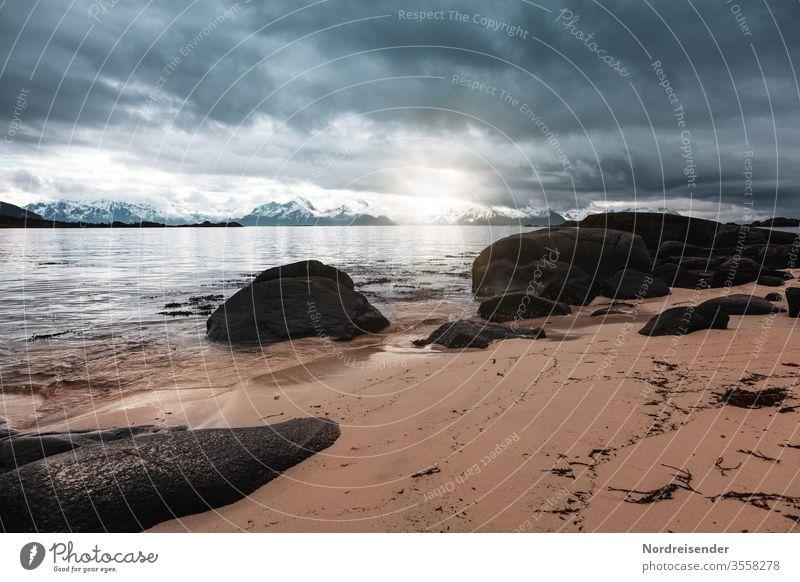 Regenwetter Panorama (Aussicht) Sonnenlicht Reflexion & Spiegelung Kontrast Tag Textfreiraum oben Menschenleer Außenaufnahme Farbfoto Norwegen Fernweh