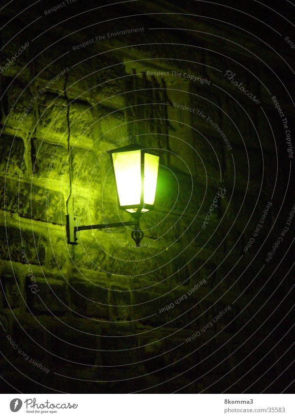 Dark Light dunkel Dinge Laterne Straßenbeleuchtung Gasse