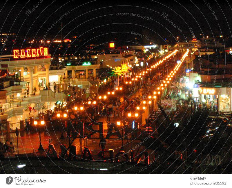 Nachtleben in Naama Bay Stadt Ferien & Urlaub & Reisen Afrika Ägypten Moral Nachtaufnahme Leuchtreklame Ausland