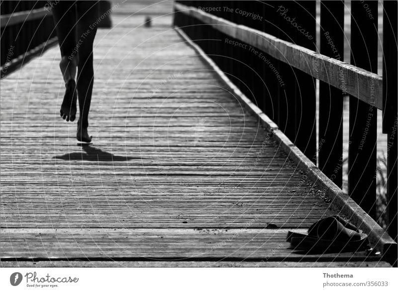 nichts wie......rein! Mensch Kind Ferien & Urlaub & Reisen Freude Erholung Junge lustig Holz Glück Beine maskulin Kindheit Freizeit & Hobby Idylle Tourismus