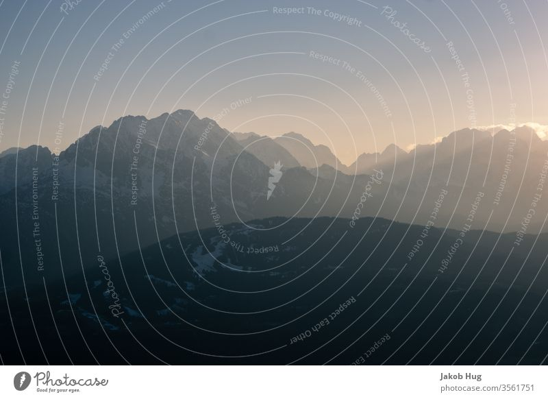 Alpen in der Abendsonne Gipfel Berge u. Gebirge Bergsteigen Landschaft Klettern Himmel Natur blau Abendrot Schnee Sonnenaufgang Panorama (Aussicht) Morgen