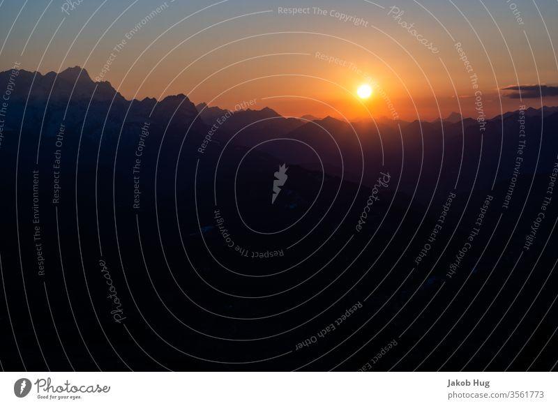 Sonnenuntergang im Karwendelgebirge in den Alpen Gipfel Berge u. Gebirge Bergsteigen Biwak Klettern Himmel Natur Wolken Sonnenaufgang Abendrot