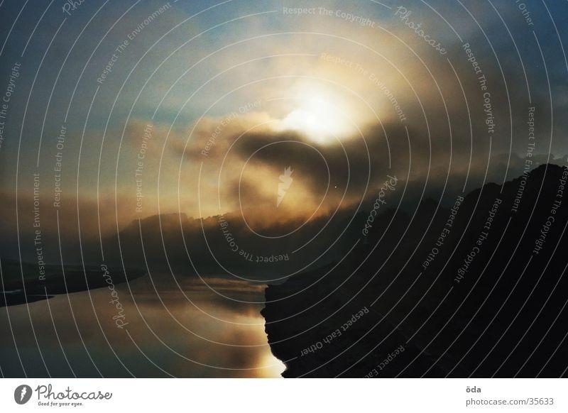 benebelt Sonne See Nebel bezaubernd Stausee